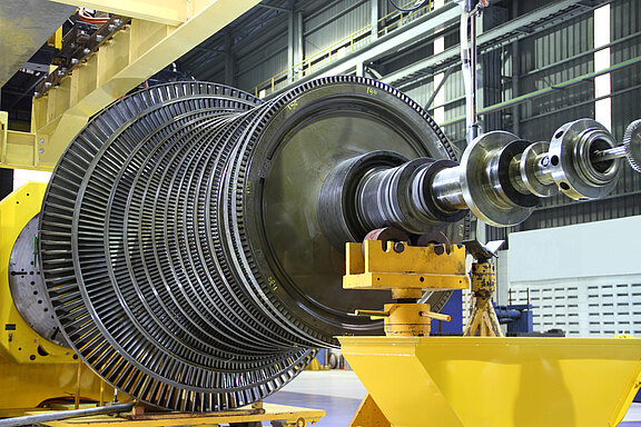 Turbine-Maintenance-1_49205248.jpg
