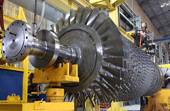 Turbine-Maintenance-2_62832091.jpeg